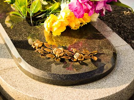 Купить бронзовые цветы на памятник