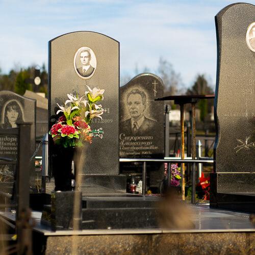 Памятники в Минске, фото и цены дешево в торговой сети Гранитное Дело