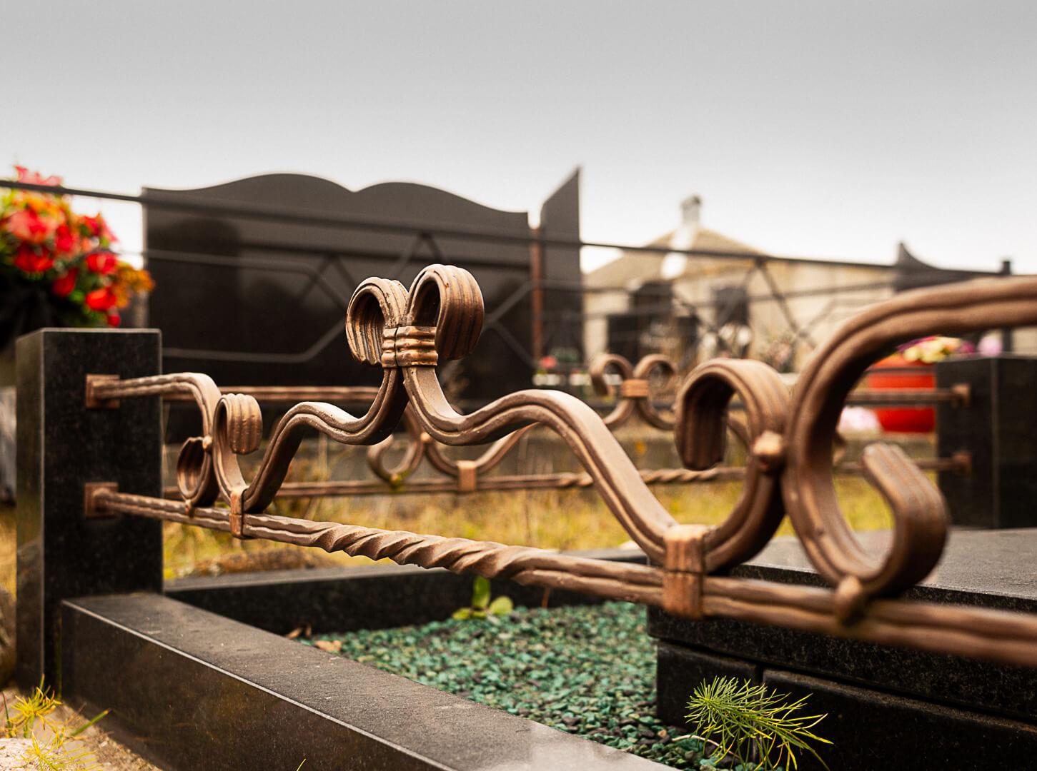 Памятники в Минске выгоднее всего заказывать в мастерской Гранитное Дело