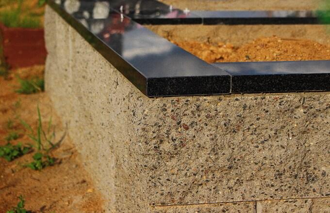 Заливка фундамента под памятник