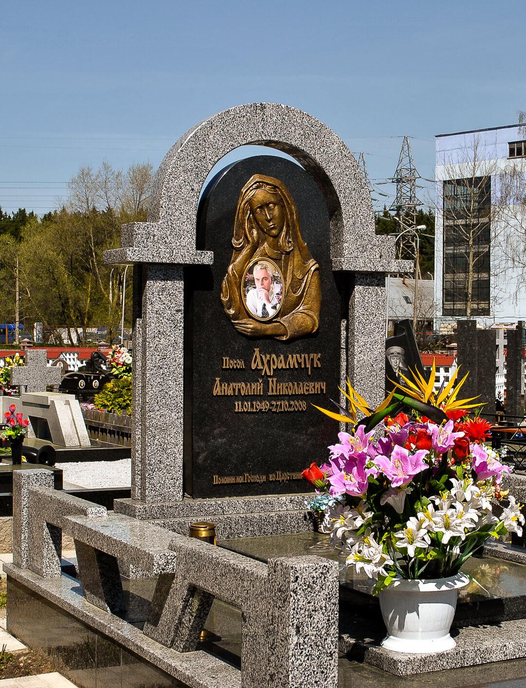 Предлагаем эксклюзивные памятники из гранита карельских и финских месторождений