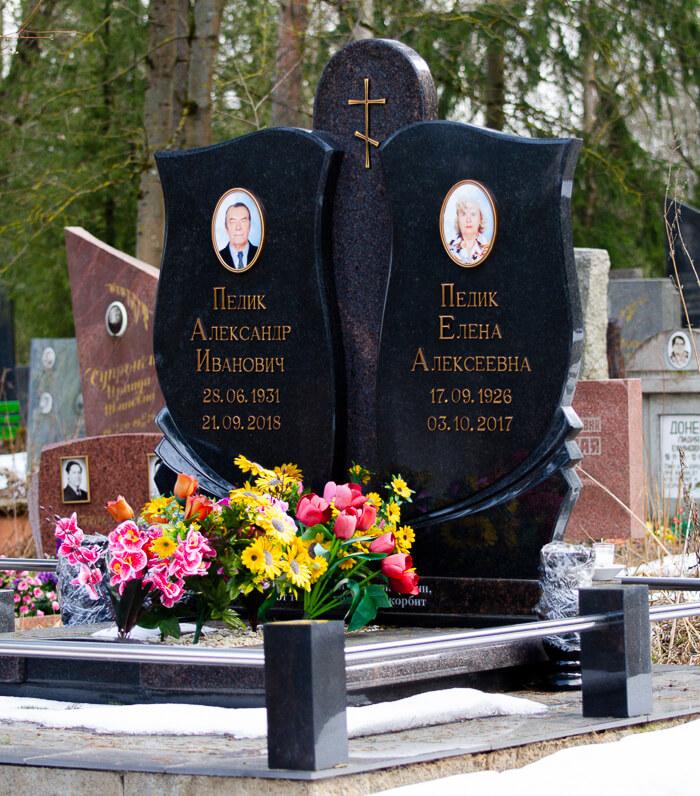 Эксклюзивные надгробные памятники МК Гранитное Дело на Северном кладбище в Минске