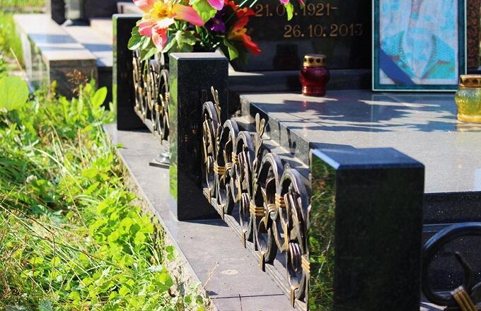 Кованые ограды на могилу от Гранитное Дело