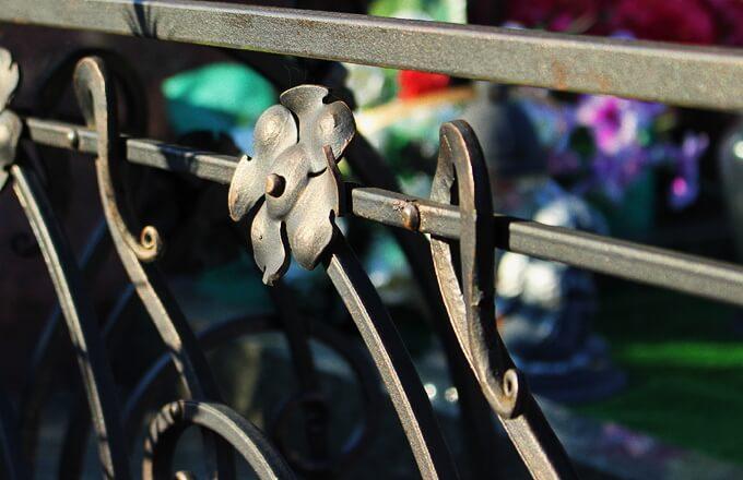 Кованые ограды на кладбище: цены и фото