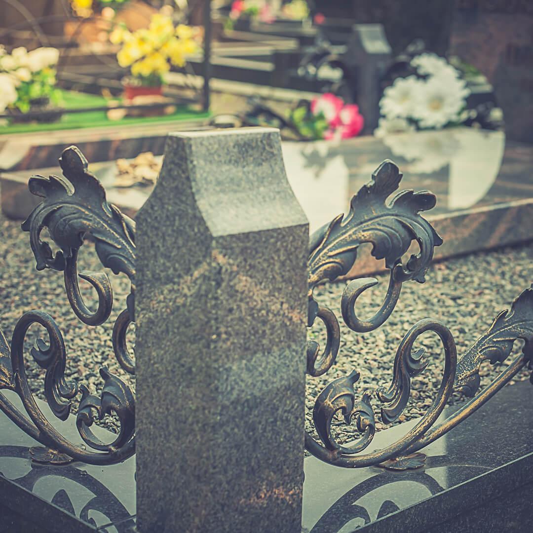 Кованые ограды на могилу: фото и цены на нашем сайте