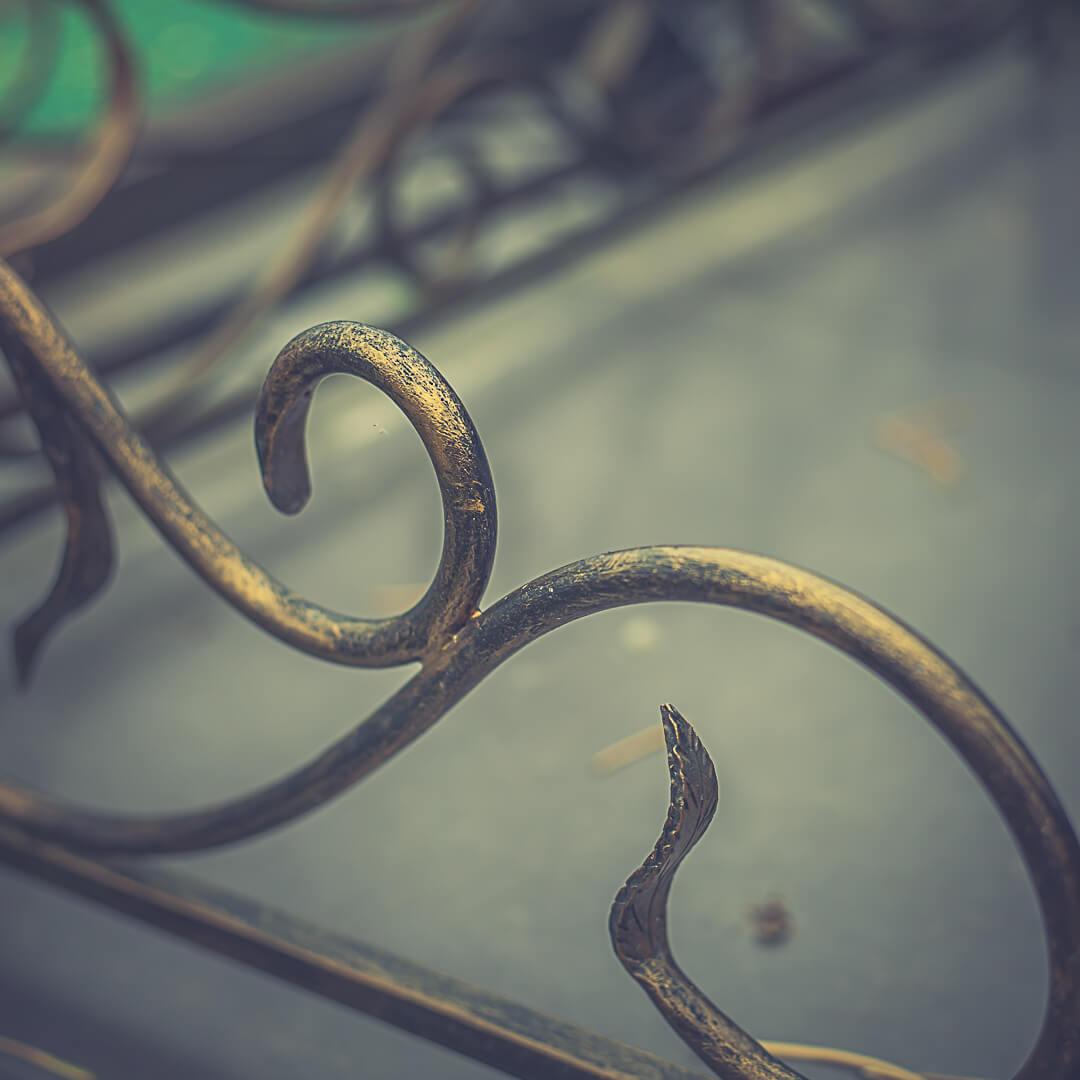 Кованые ограды на кладбище в Минске от компании Гранитное Дело