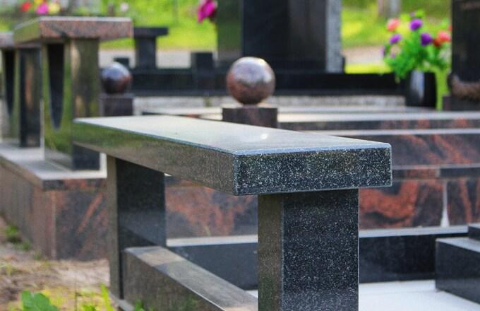 Купить скамейки и столики на кладбище