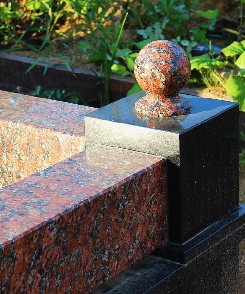 Установка ограды на могилу